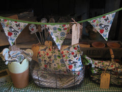 Selection of giftware including flowered bunting