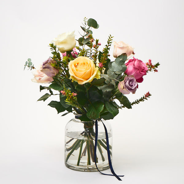Yes Please! (Mixed roses / Mixed foliages)