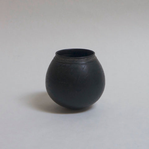 yo-in Kenta Anzai Black pot a