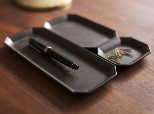 FUTAGAMI KURO-MURA Brass Stationery Tray