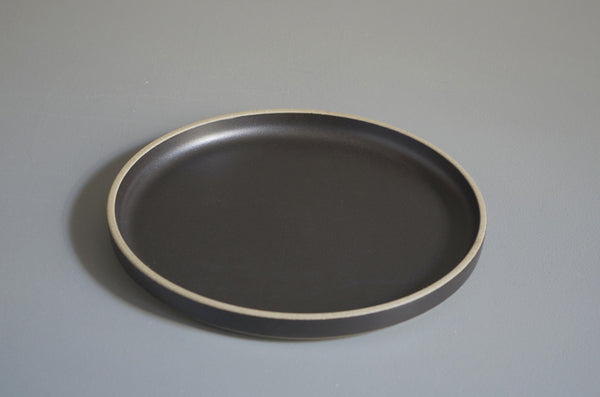 HASAMI BLACK PLATE 220 X 21