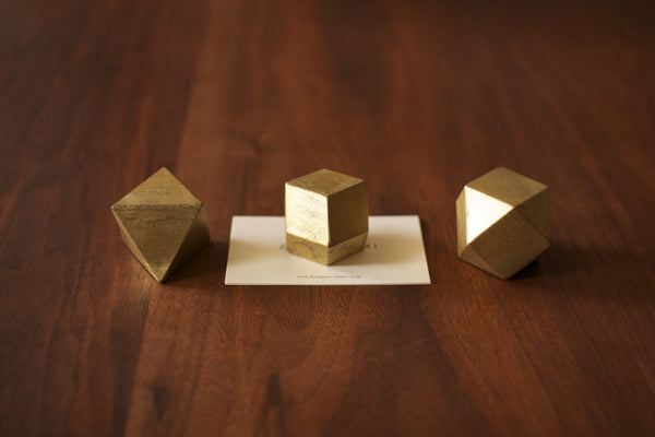 FUTAGAMI paperweight triangle
