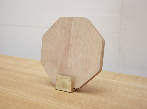 FUTAGAMI Brass Chopping Board Holder