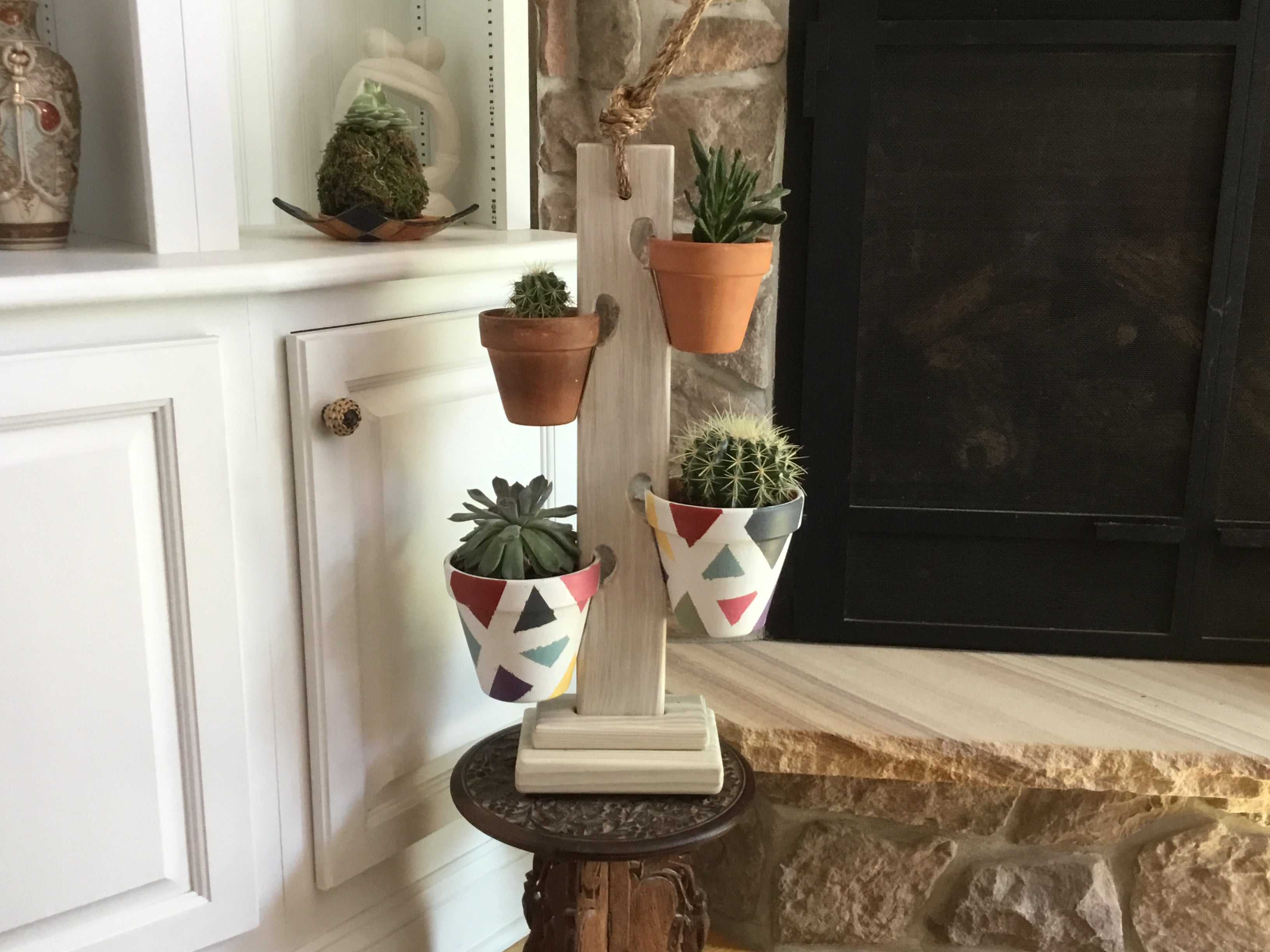 Antique White 4 Pot Tower