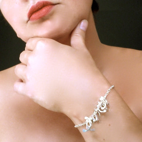 Contour semi Bracelet, polished silver by Fiona DeMarco