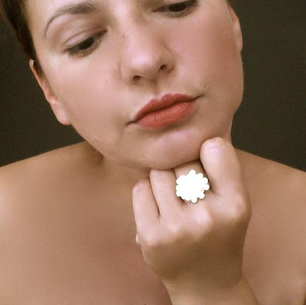 Symphony disc Ring, satin silver by Fiona DeMarco