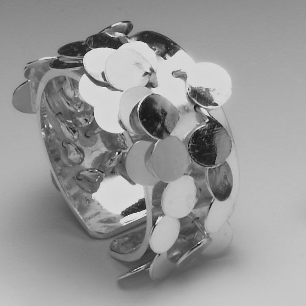 Symphony Ring, polished silver by Fiona DeMarco