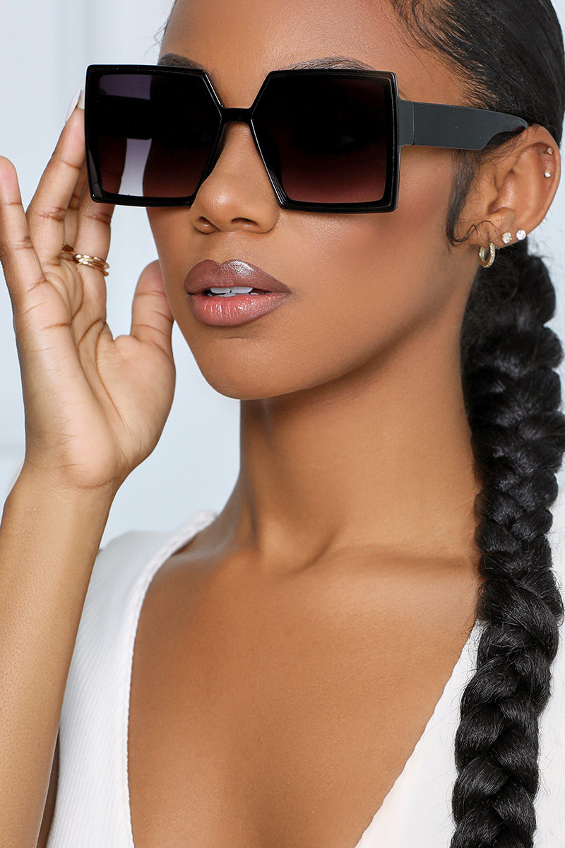 The Resort Squared Sunglasses (Black)