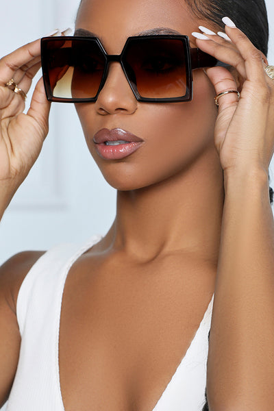 The Resort Squared Sunglasses (Brown)