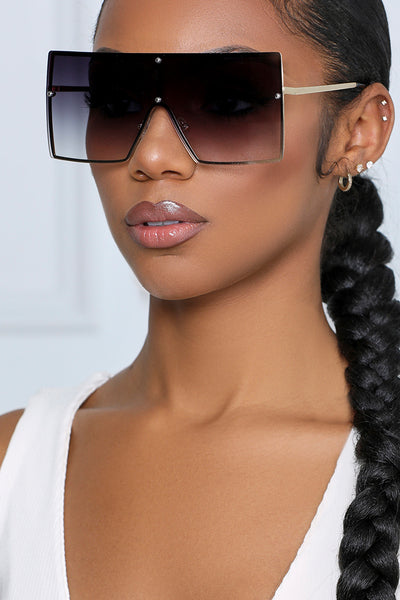 I'm a Big Deal Oversized Square Sunglasses (Black & Gold)