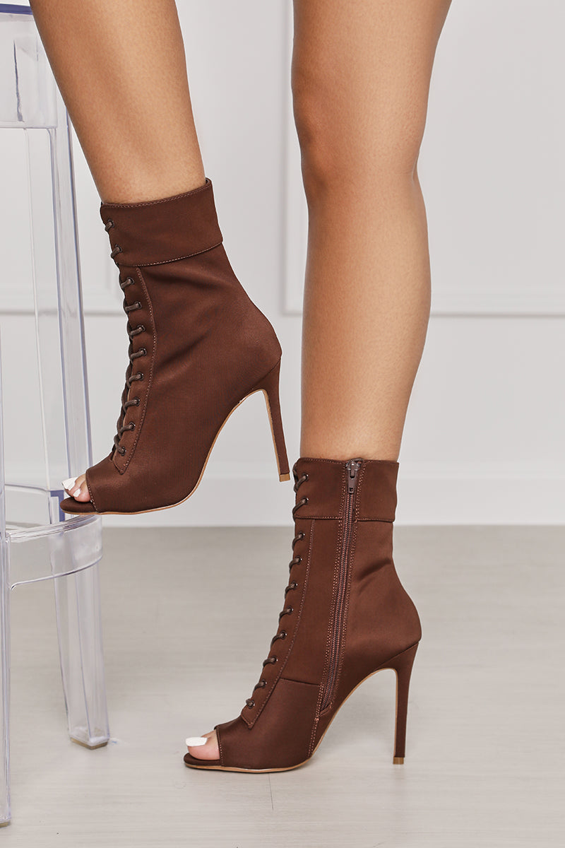 Filter Lace Up Booties (Coffee)