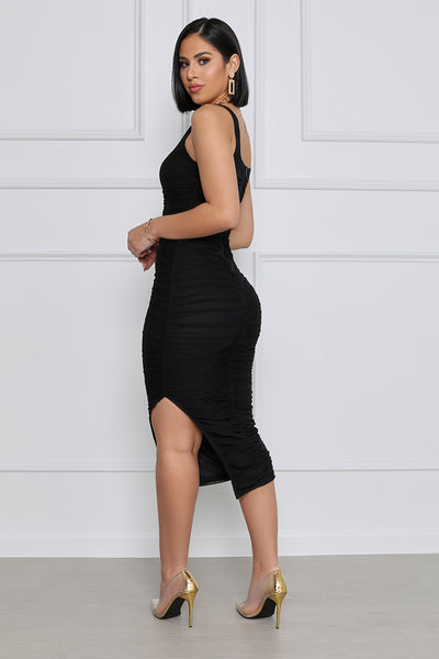 In your Dreams Ruched Midi Dress (Black)