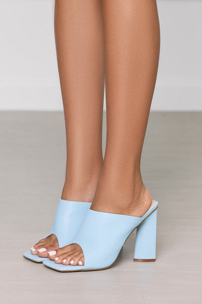 Jordyn Faux Leather Chunky Block Heel Mule (Light Blue)