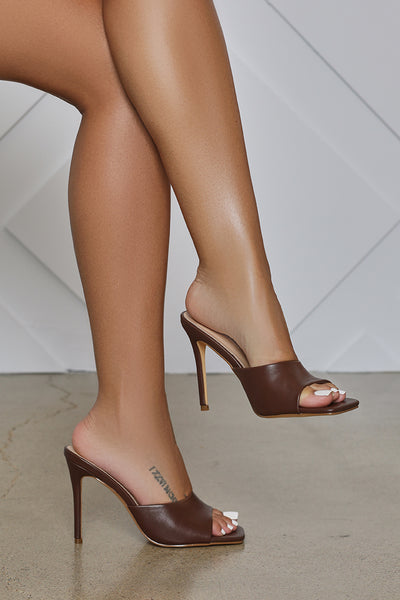 Hugo Peep Toe Mule (Brown)