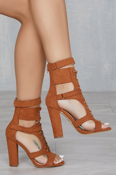 Cindy Cut-Out Bootie (Tan)