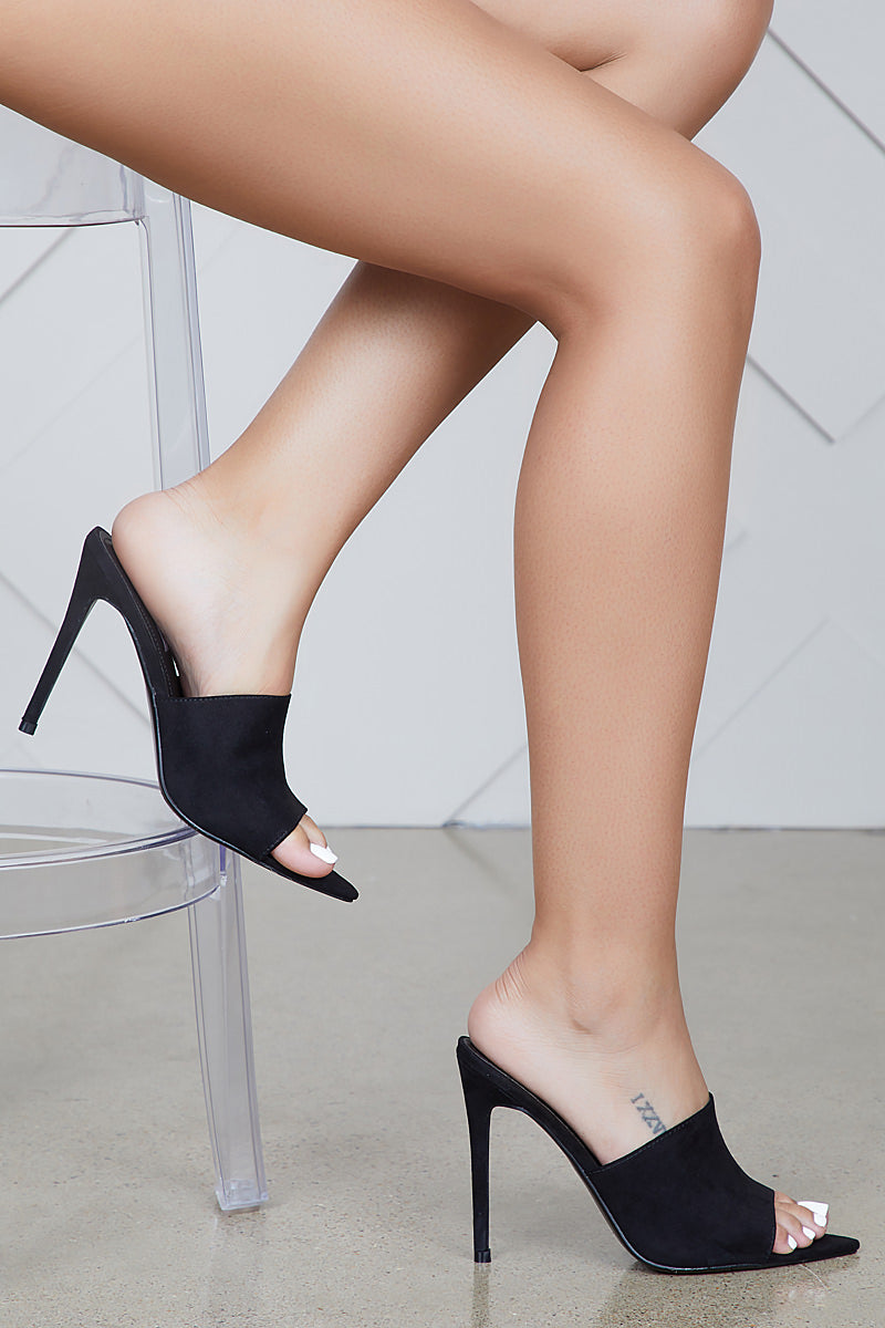 Cece Pointed Toe Mule (Black)