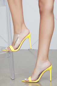 Dream On Pointed Toe Mule (Yellow)