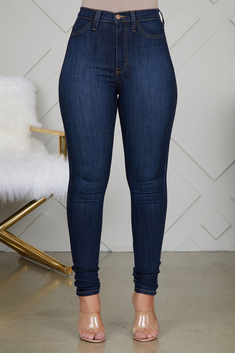 CURVE HUGGING HIGH WAIST JEANS