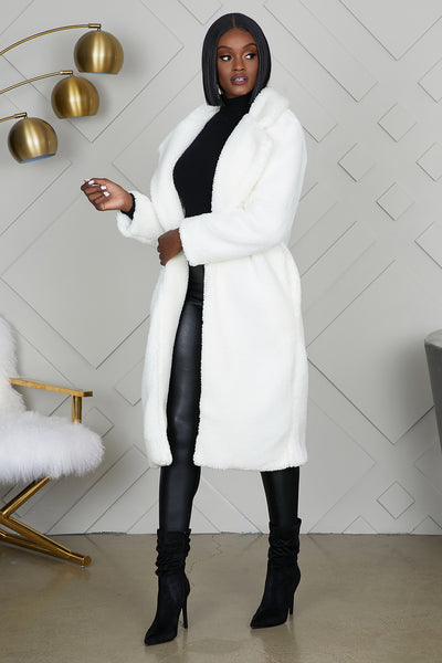 Snow White Cozy Coat (Ivory)