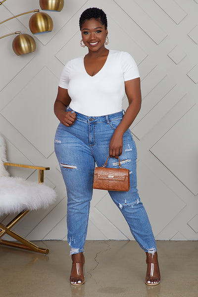 Curvy Distressed Jeans (Medium Wash)