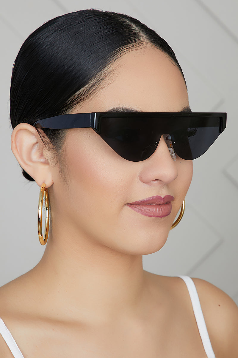 Simple Cat Eye Sunglasses (Black)