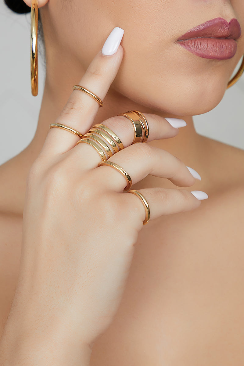 Queen Gold Ring Set