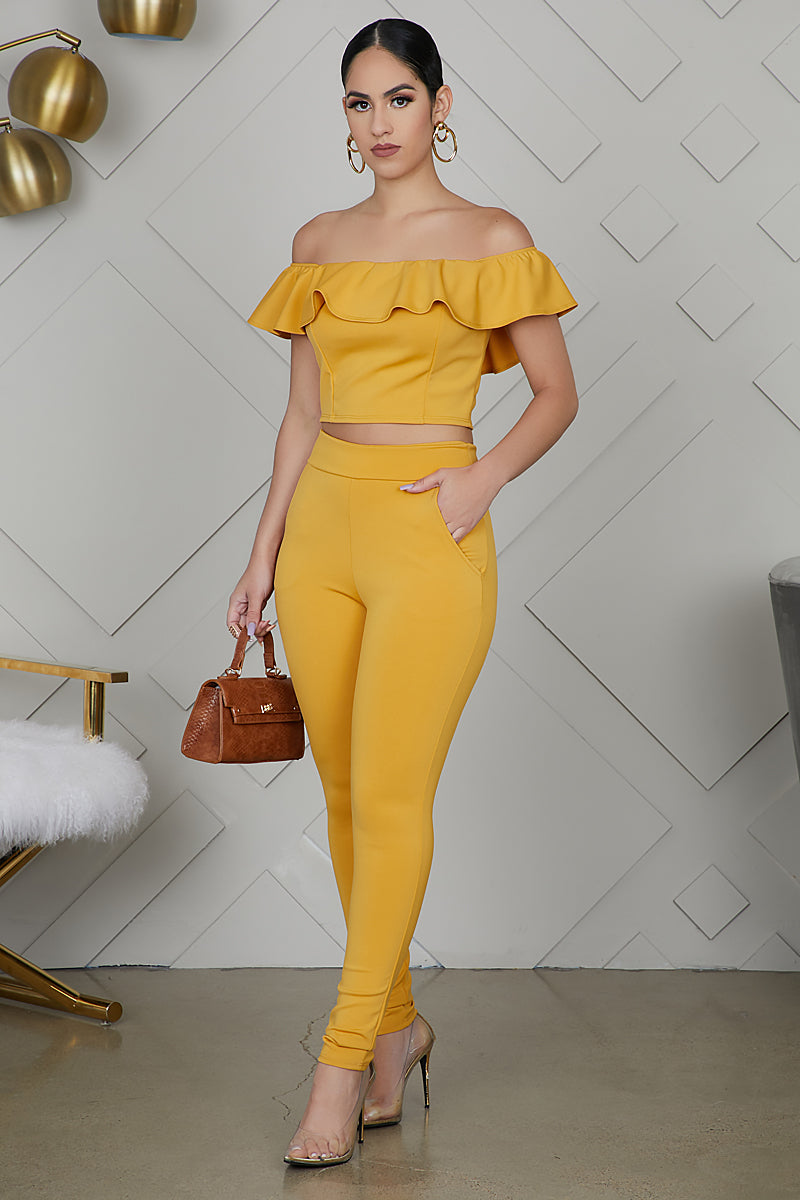 Off The Shoulder Ruffle Pant Set (Yellow)