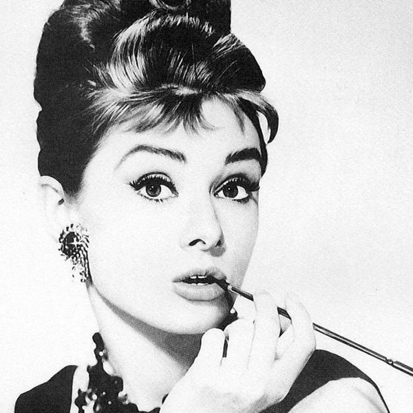 Style : Audery Hepburn and 5 steps to follow her look