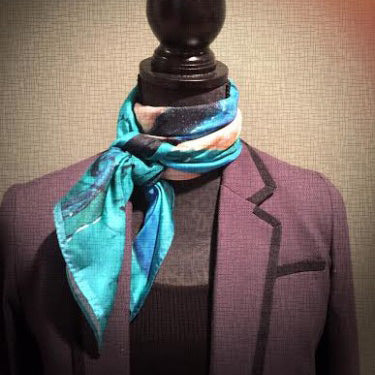 French twist : tying scarves