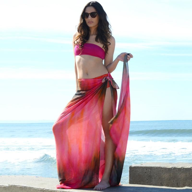 Model wearing Chetna Singh pink and red tie-dye print cotton scarf.