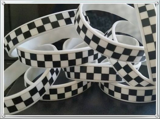 10 Checkered Flag Silicone Bracelets - Best Value