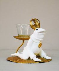 Kneeling Frog With Crown Candle holder, White