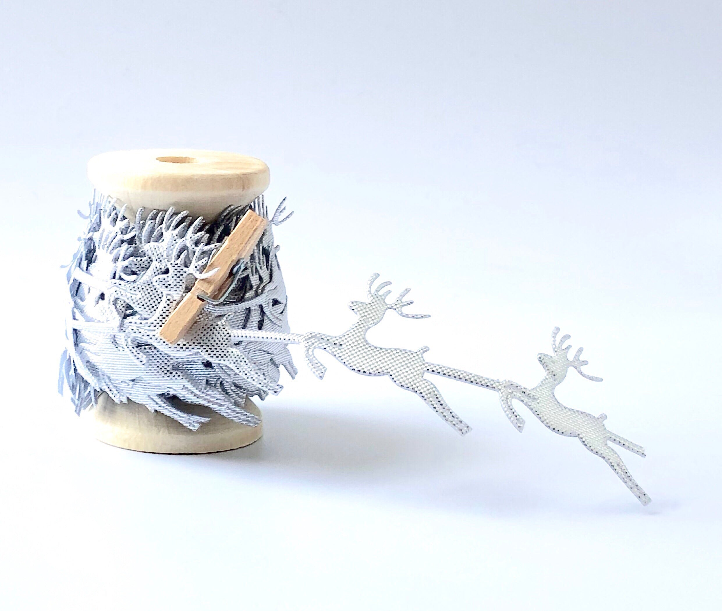 Silver Leaping Reindeer Trim - 15ft(5yds)