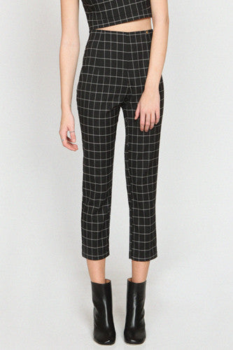 "img src=""Harlyn-Label-Plaid-Peg-Leg-Joelle-Trouser-Pant-Fall-2014-Close-Up.jpg"" alt=""Harlyn Label Plaid Peg Leg Joelle Trouser Pant Close Up"""