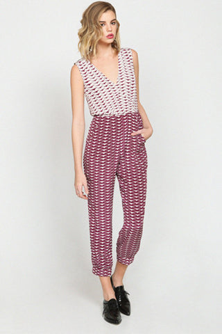"<img src=""Harlyn-Label-Crimson-Red-Ivory-Print-Claudette-Wrap-Jumpsuit-Fall-Winter-2014-Grey-Parachutes.jpg"" alt=""Harlyn Label Crimson Red Ivory Claudette Wrap Jumpsuit Fall Winter 2014 Grey Parachutes"">"