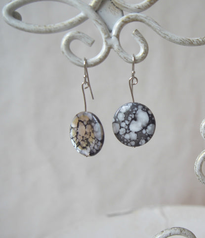 Black and White Vintage Shell Earrings