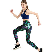 Load image into Gallery viewer, Green Star Fashion Leggings