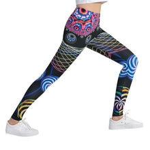 Load image into Gallery viewer, Abstract Shapes Printed Stylish Legging
