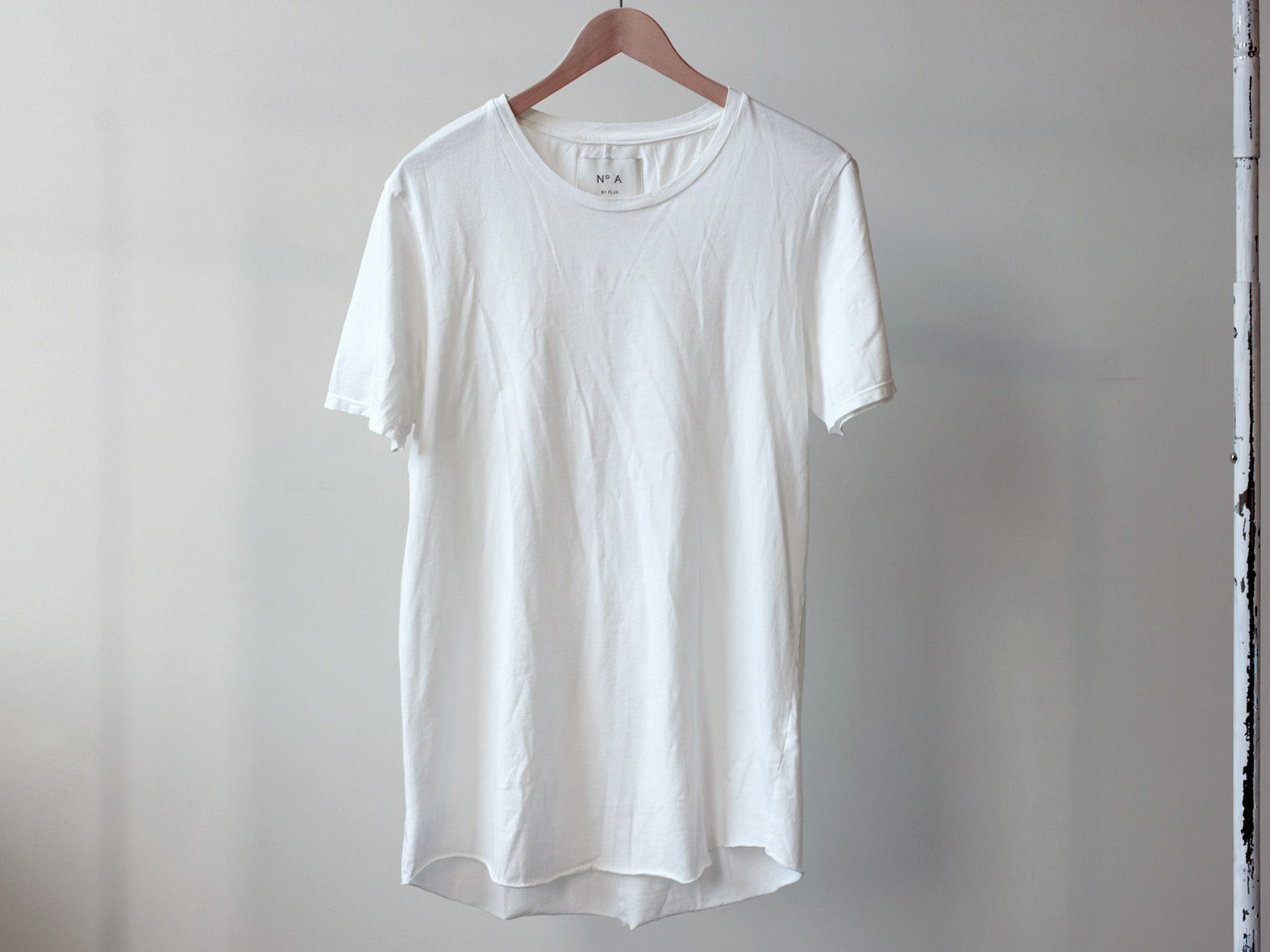 Nº A. Relaxed Neck, Raw Hem. WHITE.