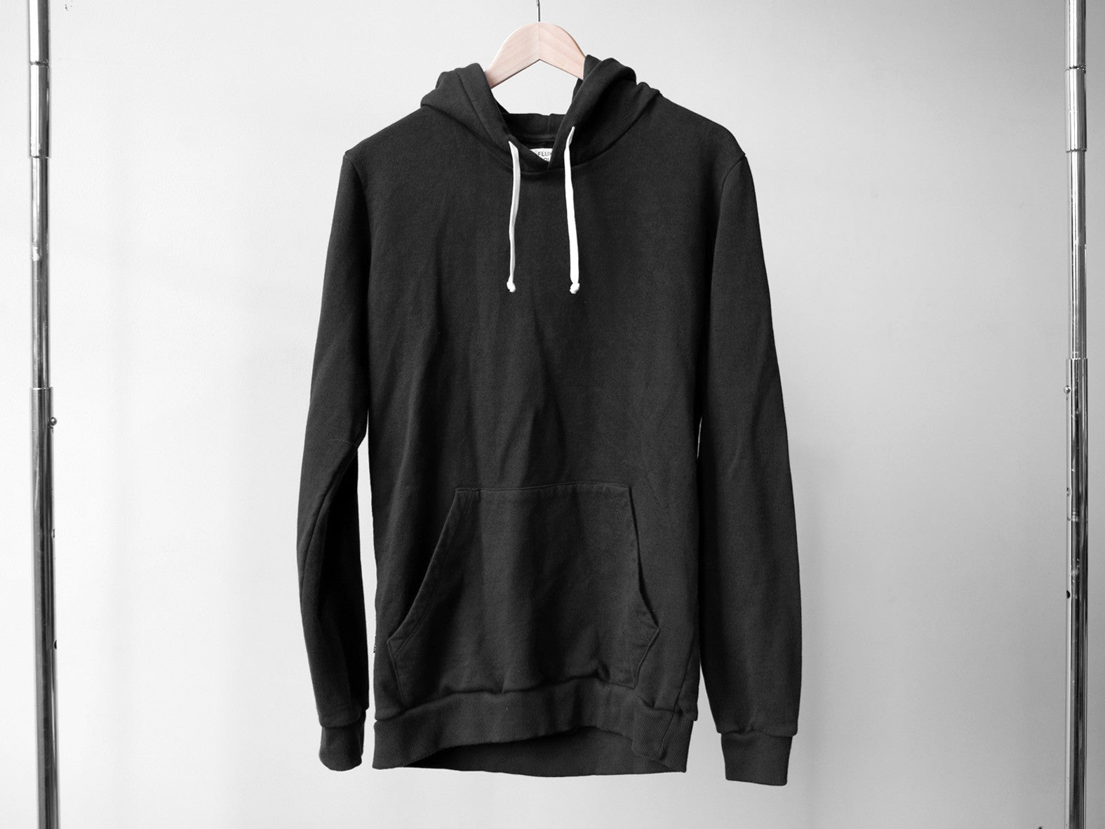 CLASSIC HOODED SWEATER. FADED BLACK.