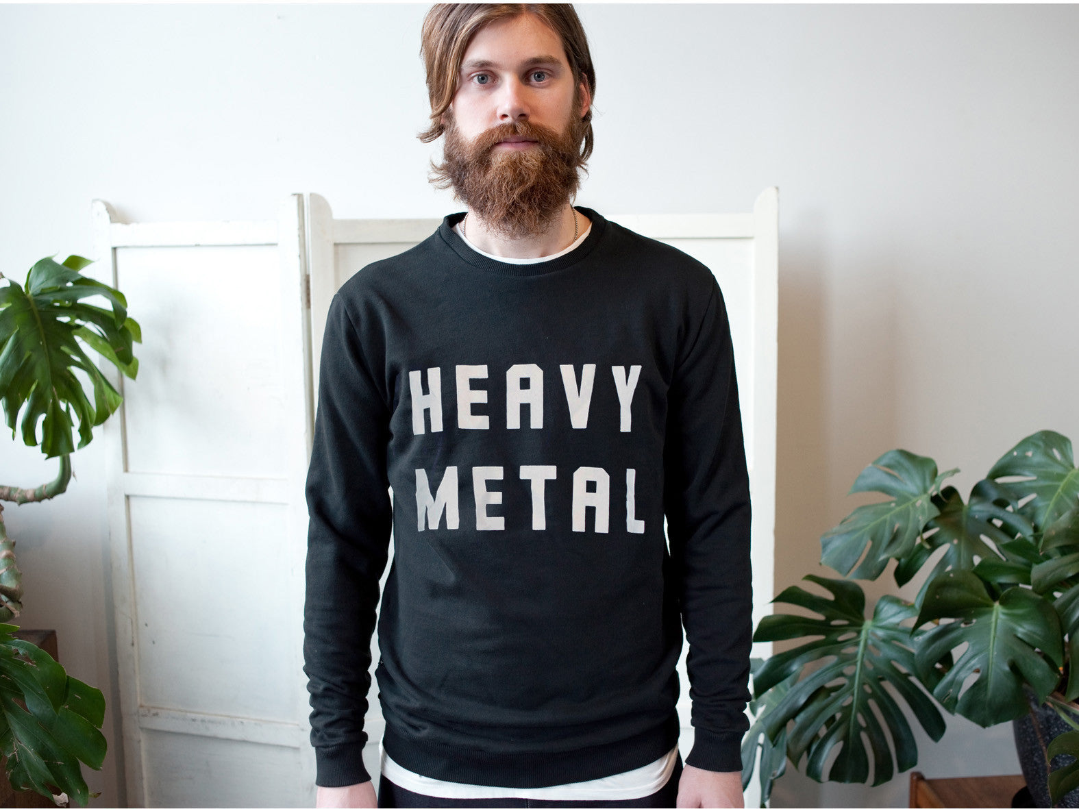 'EAVY METAL. SWEATER.
