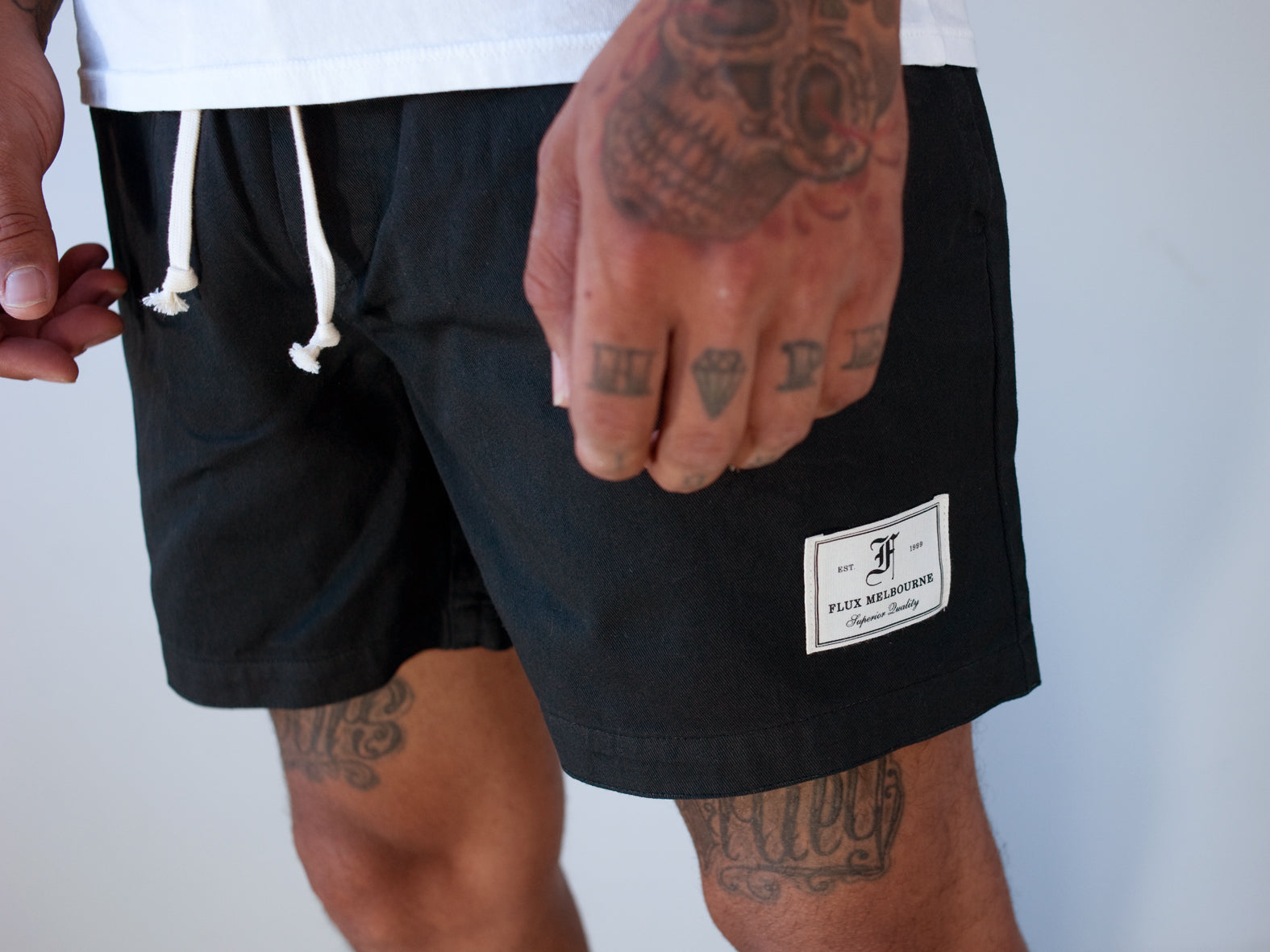 HIT THE CITY. EVERYDAY SHORTS. BLACK.