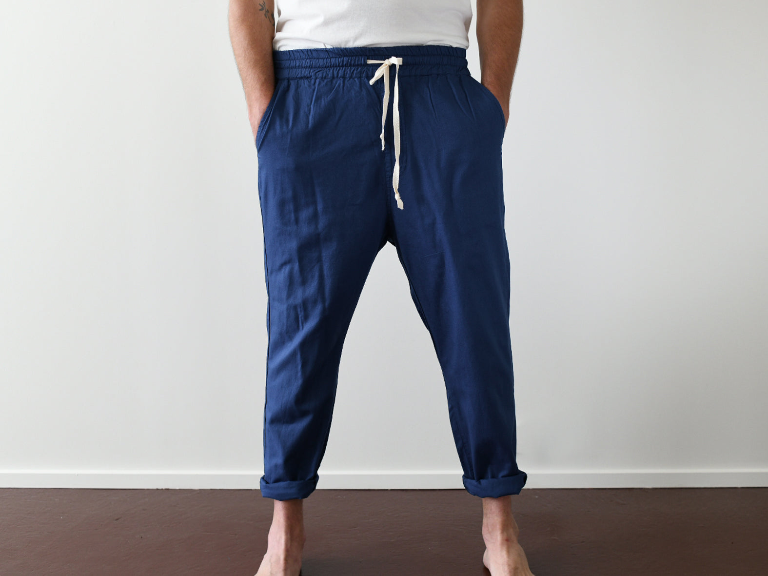 LAST RESORT. LOOSE COTTON PANT. EYGPTIAN BLUE