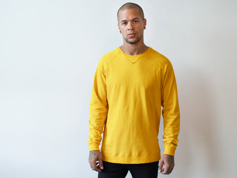 RAGLAN SWEATER. GOLD.