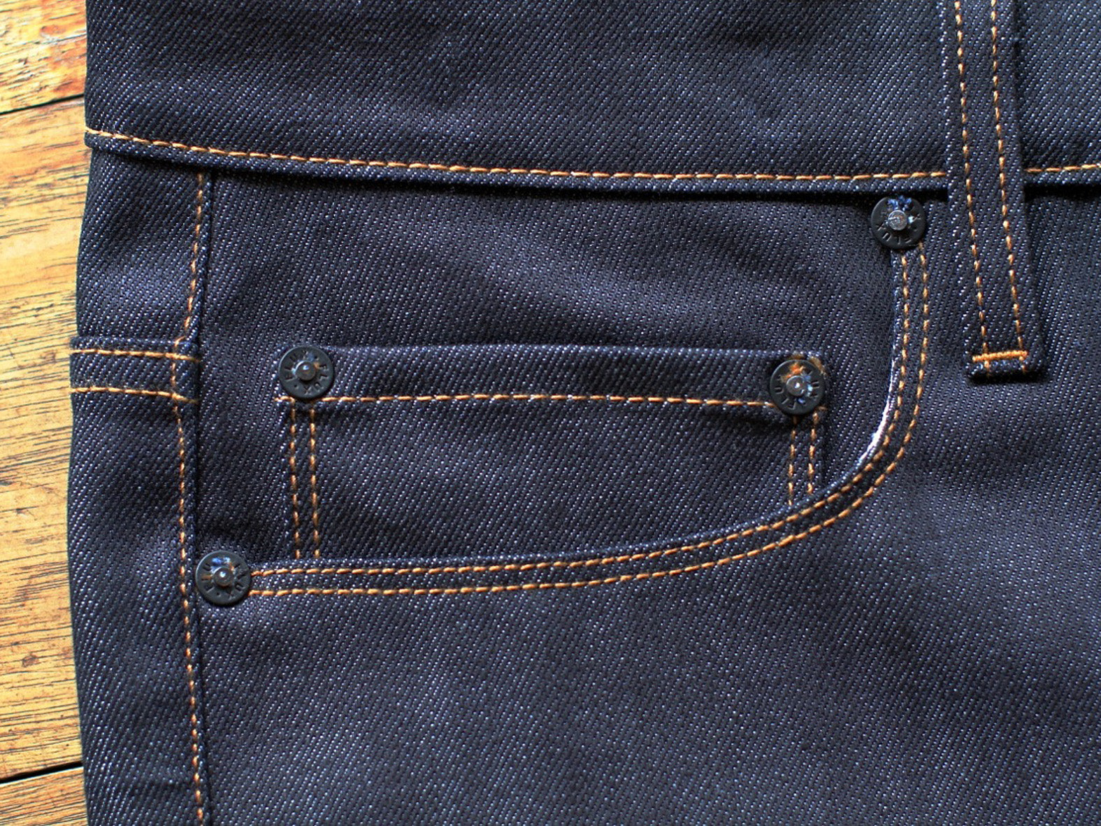 UNION TAPERED RAW. TOBACCO THREAD.