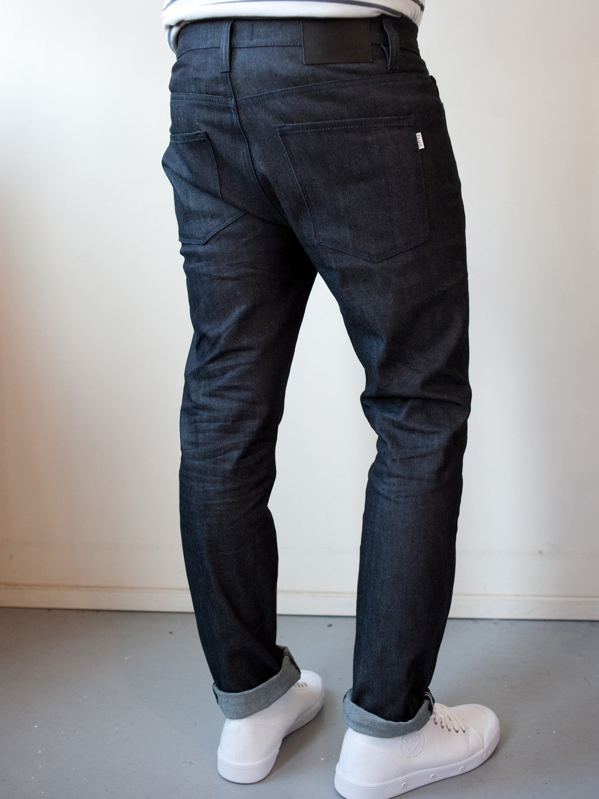 UNION TAPERED STRETCH. INDIGO THREAD.