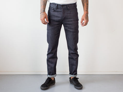 UNION TAPERED RAW. INDIGO THREAD.