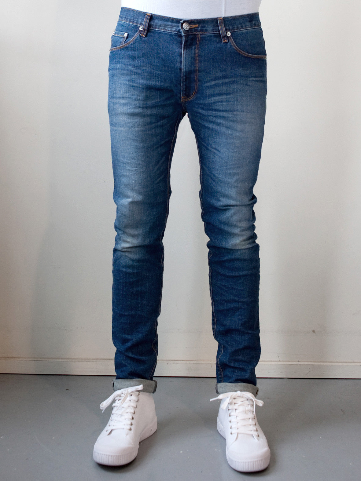 No 8 WASH. SKINNY FIT JEANS