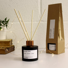 Load image into Gallery viewer, Mulled Wine Christmas Reed Diffuser