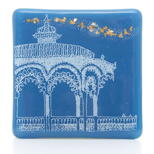 Bandstand Coaster in white with gold flakes